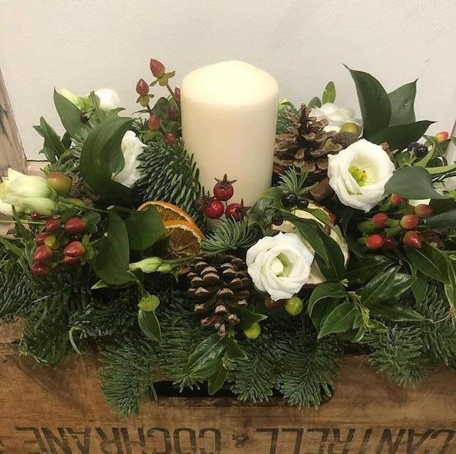 Christmas Table Arrangements Flowers.Christmas Table Decoration Rectangular