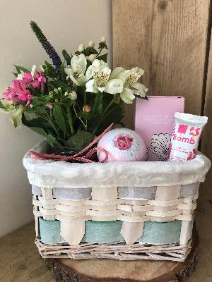 Flower Hamper Small